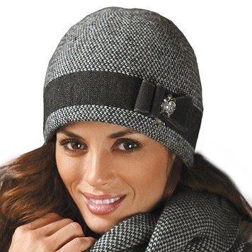 Kamea Basilia women's beanie two-colour herringbone stitch with decorations