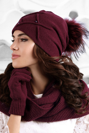 Kamea women's pom pom fur smooth hat Marsala