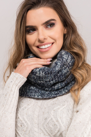 Kamea women's thick snood loop scarf Morelino