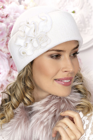Willi women's plain woolen floral hat Fuzi