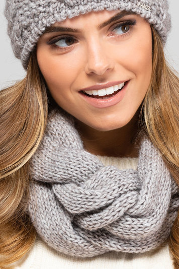 Kamea women's woolen cowl scarf snood Idaho