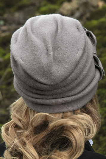 Willi women's plain woolen hat Bari