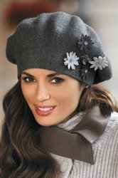 Kamea Delfina women's warm beret two-colour not patterned with flowers